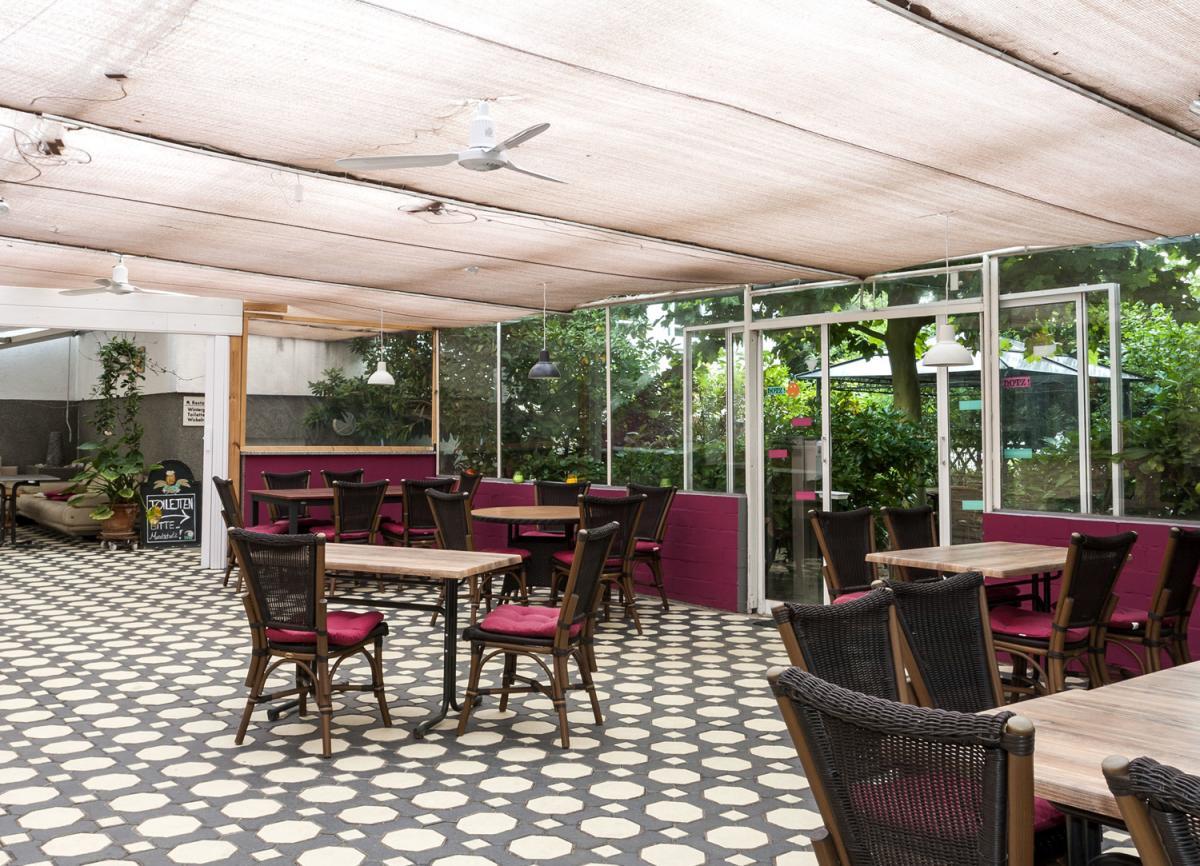 Großer Gastraum mit Kamin Ansicht5