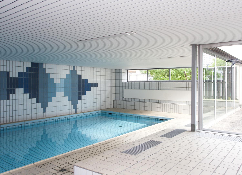 Gemeinschaftsschwimmbad