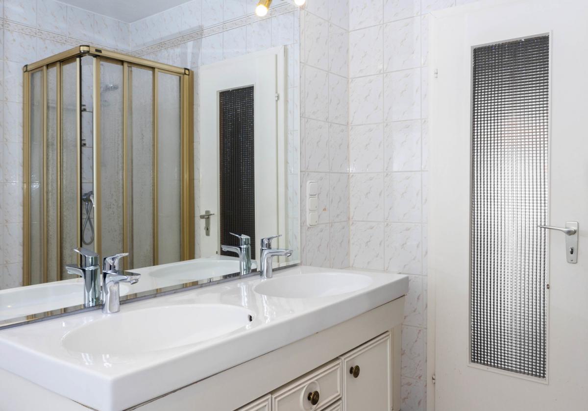 Badezimmer Ansicht1