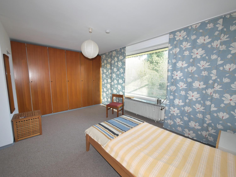 EG: Schlafzimmer Bild 2