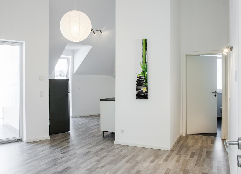 Blick in Küche und Flur2