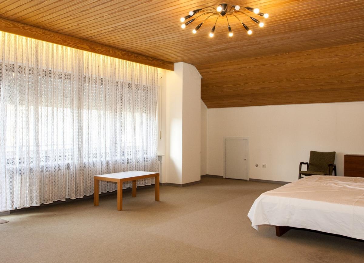 Schlafzimmer DG Ansicht1