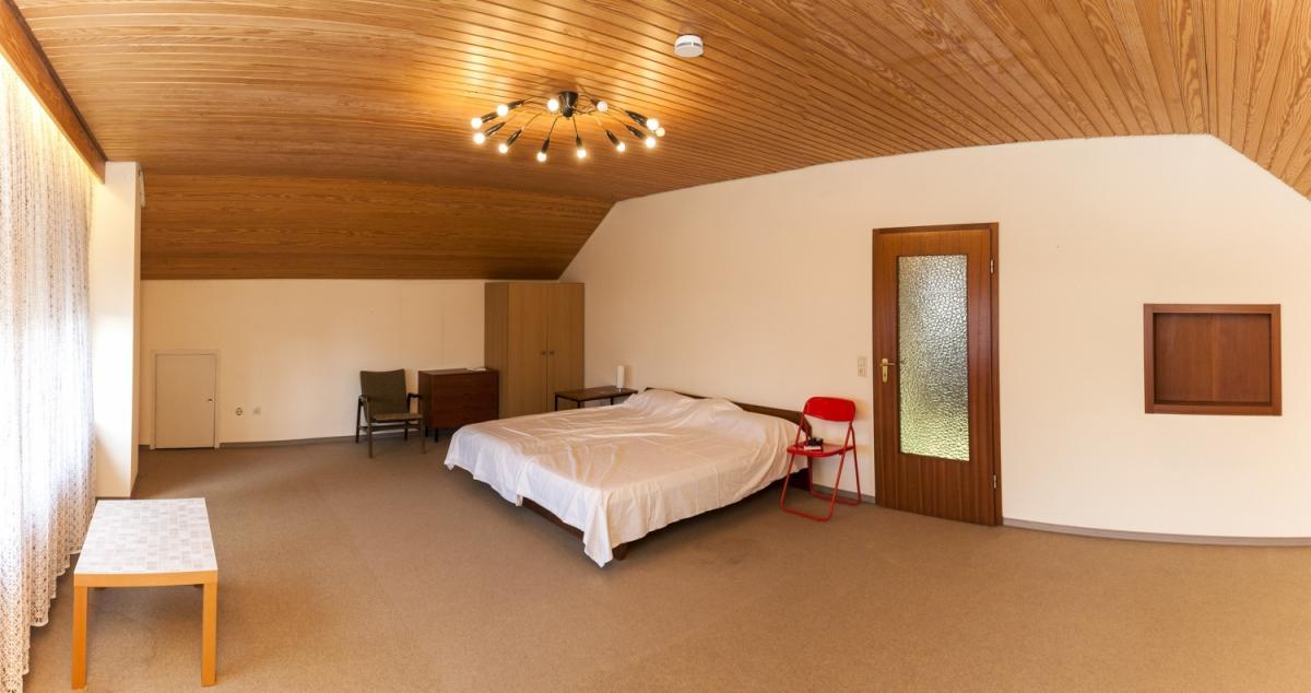 Schlafzimmer DG Ansicht2