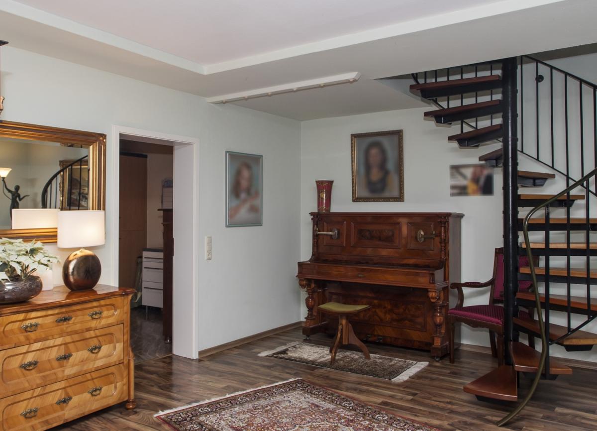 Wohnzimmer Blick zum Flur