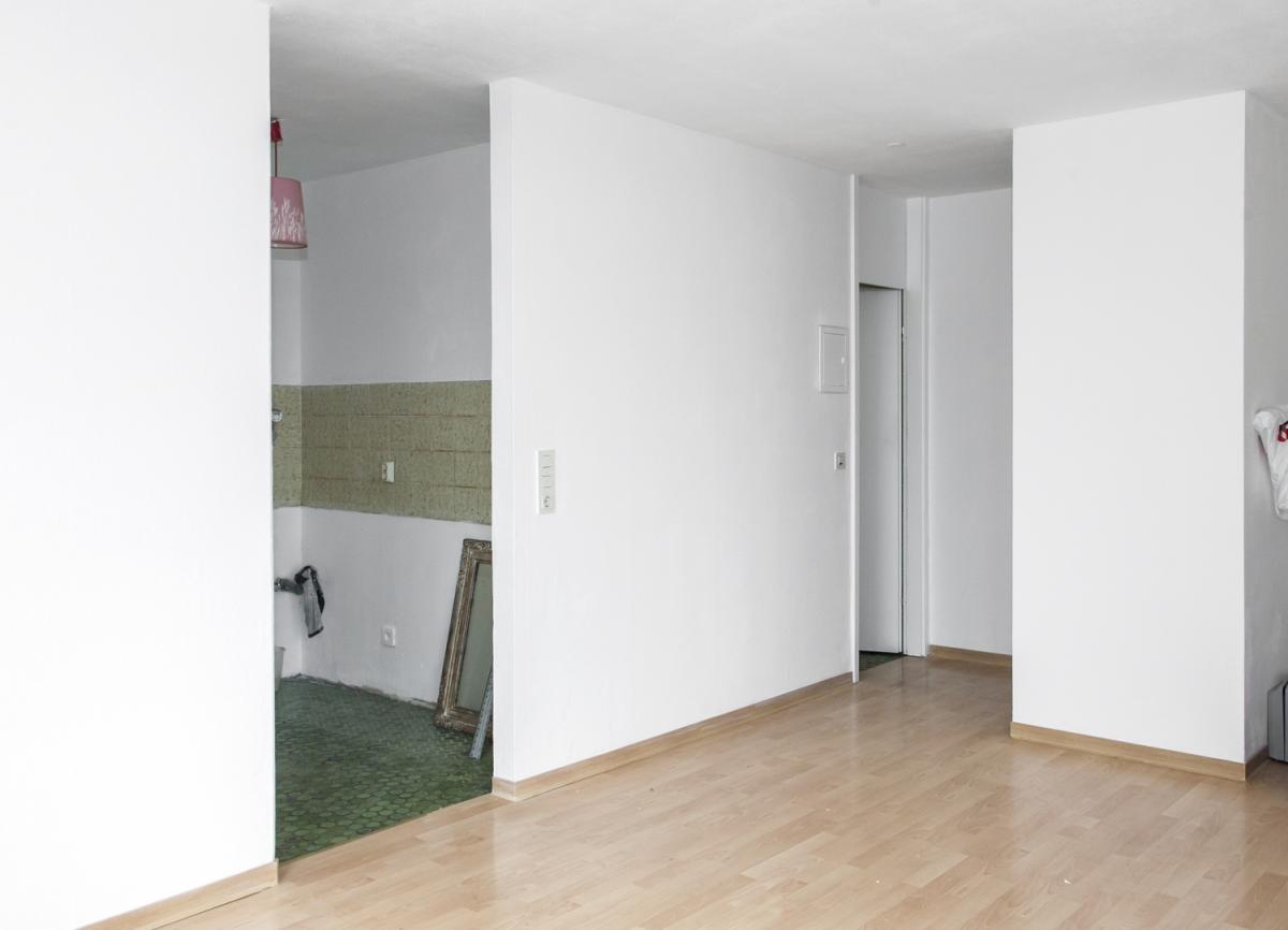 Wohnbereich Blick Richtung Flur und Küche