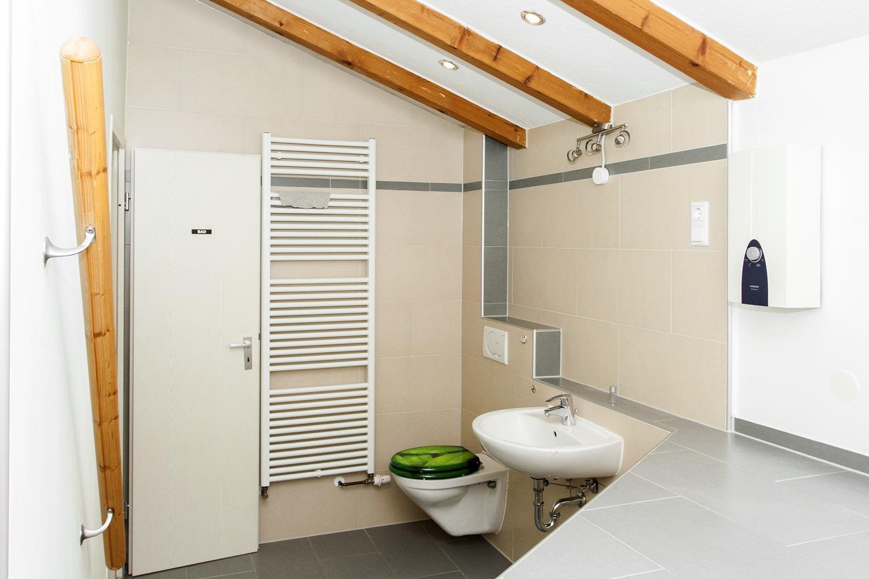 Badezimmer Hinterhaus OG Ansicht1