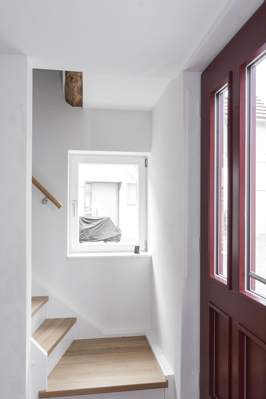 Treppe mit Hauseingang