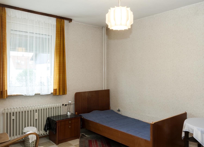 HS 143 Schlafzimmer1 1.OG