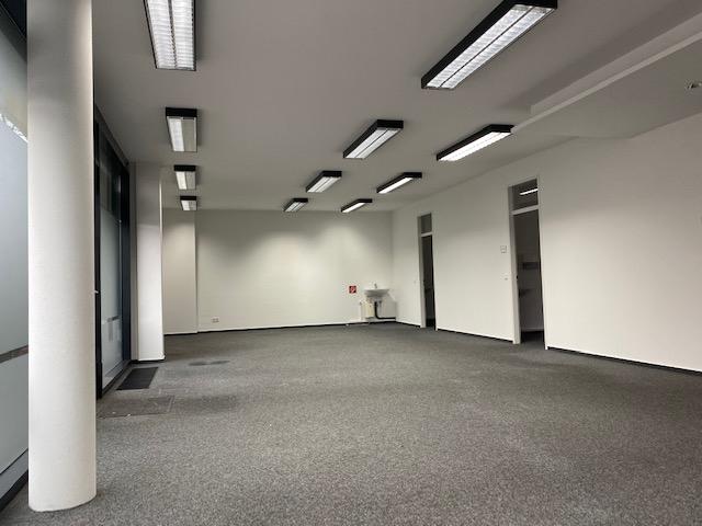Laden-/Bürofläche